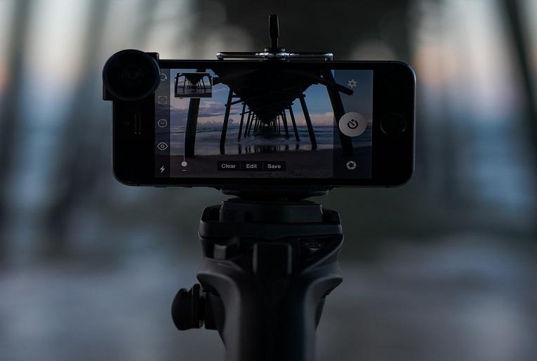 Las perchas para móviles pueden ayudar a hacer periodismo móvil